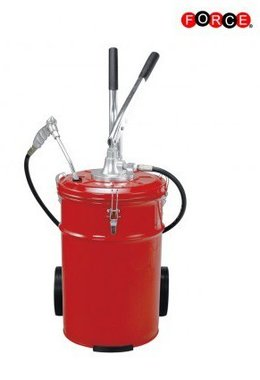 Hand lubricator for grease